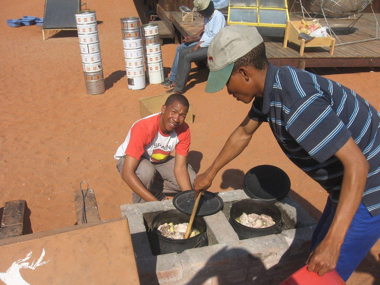 Cooking on fuel-efficient stoves